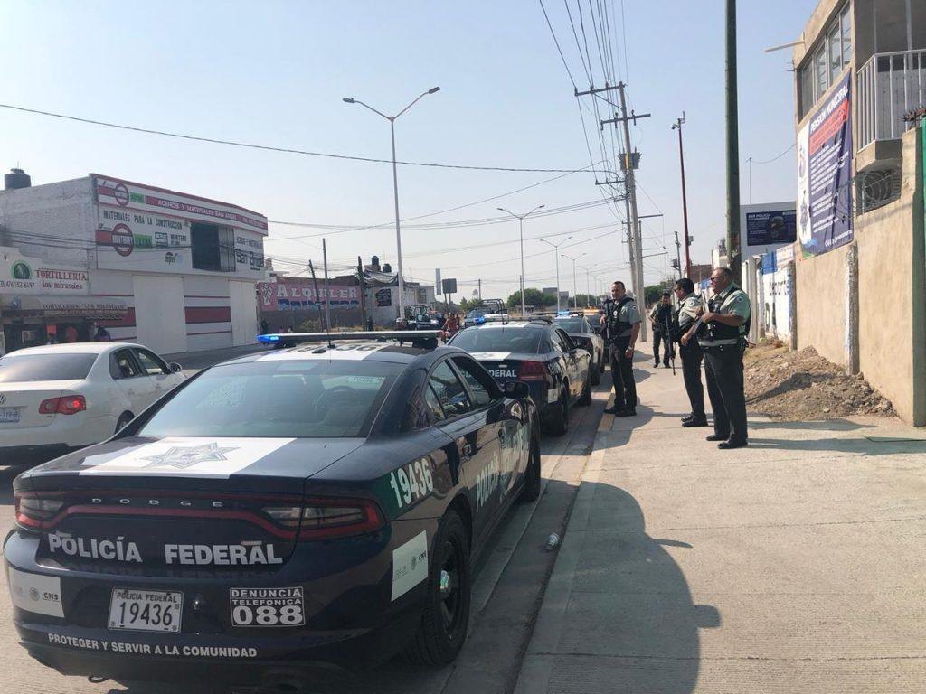 AGREDEN A POLICÍAS DE SFR Y PURÍSIMA DEL RINCÓN