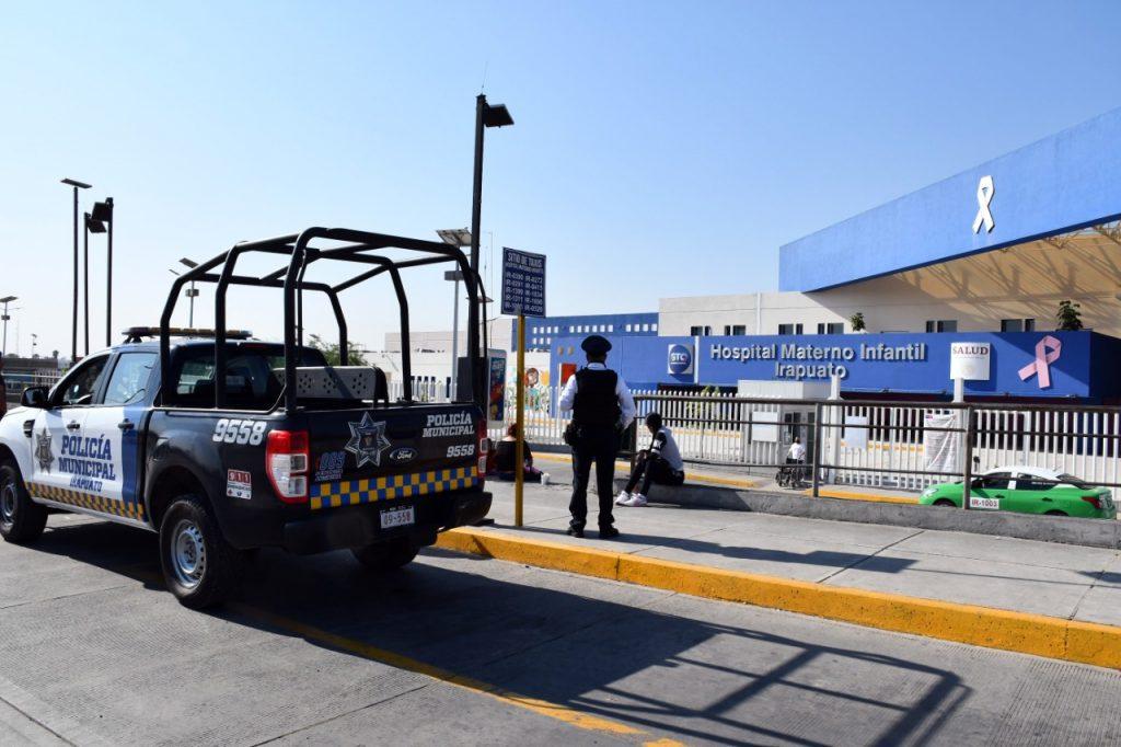BRINDAN POLICÍAS ATENCIÓN A RECIÉN NACIDA