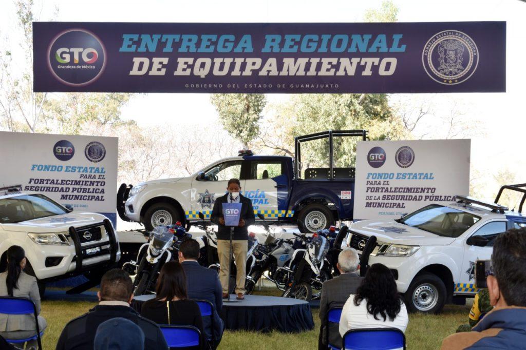 Equipan a policías de la zona sur de Guanajuato
