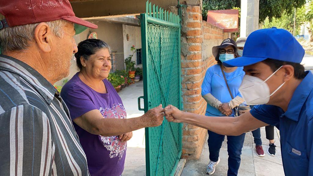 HABITANTES DE EL SAUCILLO RECONOCEN A MOY CORTÉZ POR OBRAS REALIZADAS EN SU COMUNIDAD