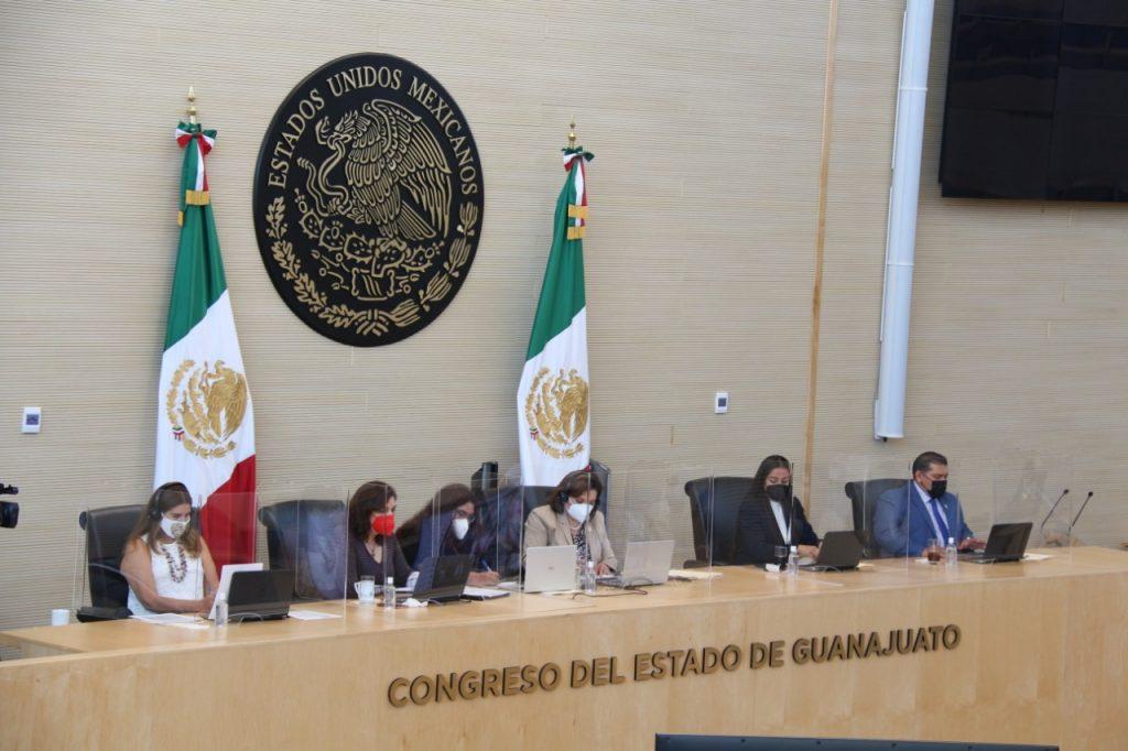 Sesiona la Comisión de Hacienda y Fiscalización; aprueba diversos dictámenes