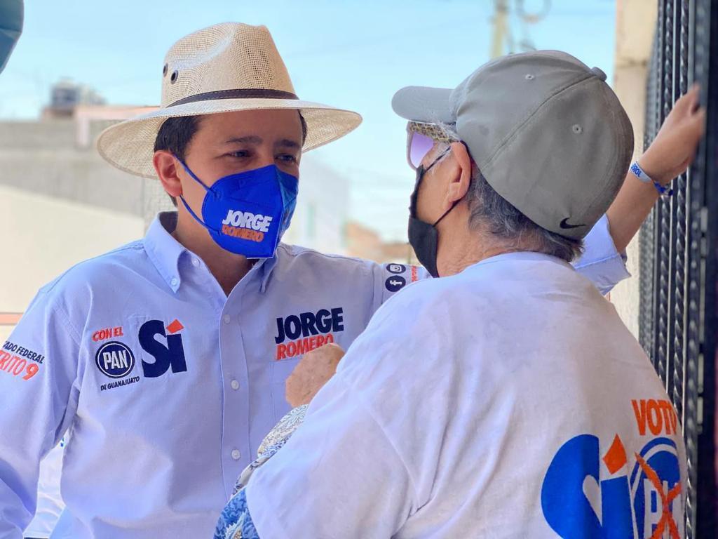 CONTINÚA JORGE ROMERO VISITA EN COLONIAS DE SILAO
