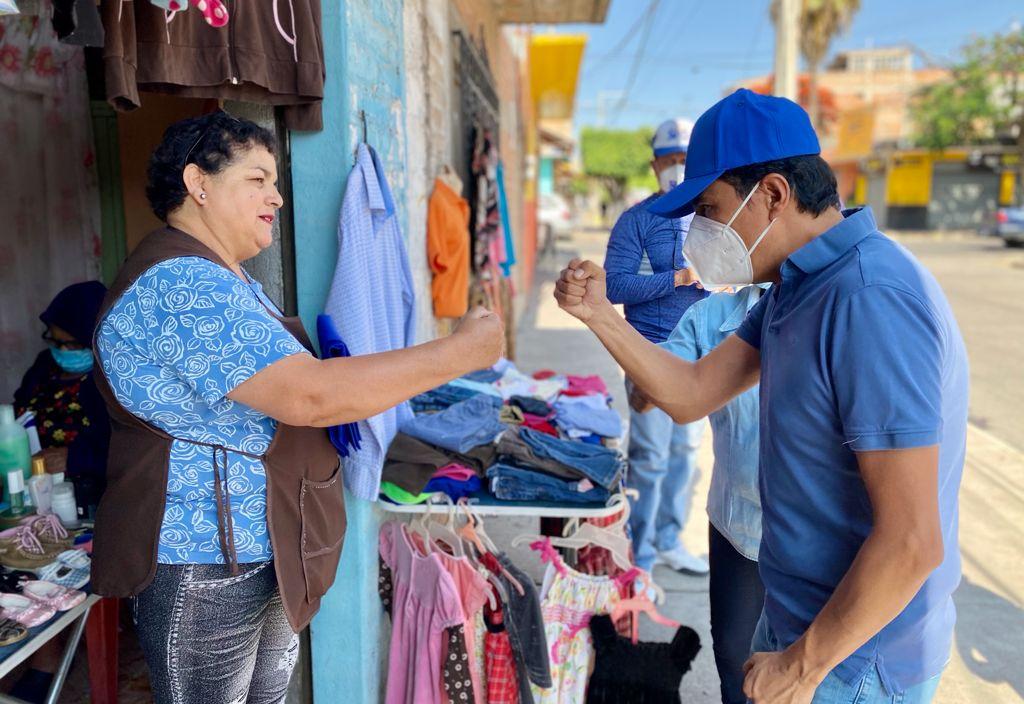 Ofrece Moy Cortéz trabajar para dar solución a problema del agua potable