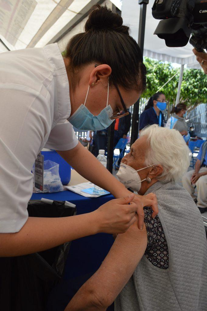 En Irapuato se aplicarán este sábado segundas dosis de vacuna Pfizer a mayores de 70 años.