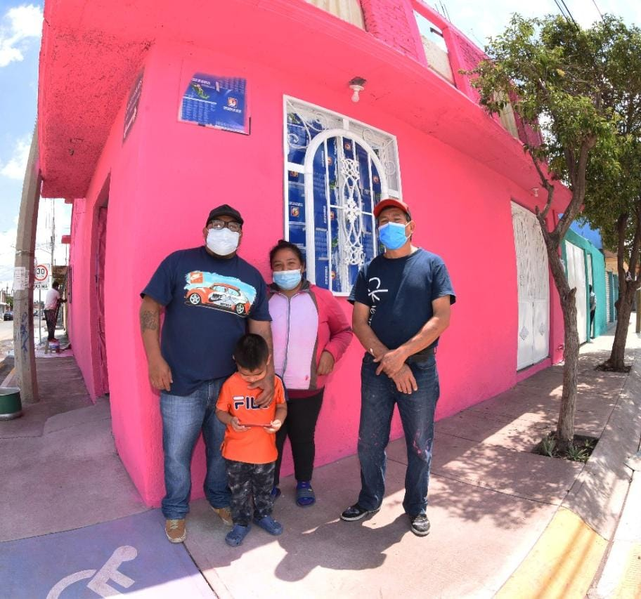 Iluminan Hogares de Familias con Mi Casa a Color en Irapuato